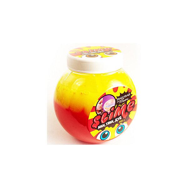 Лизун Волшебный мир Slime Mega Mix, желтый и клубничный, 500 гСлаймы<br>Характеристики:<br><br>• объем: 500 г<br>• в наборе: лизун, трубочка<br>• страна бренда: Россия<br><br>Двухцветный слайм можно тянуть, мять, надувать из него пузыри или смешивать с разными мелкими предметами, например, блестками, пайетками или бусинами. Пластичный лизун отличается плотностью, которая позволяет удерживать в нем воду как в воздушном шарике. Игра со слаймом способствует релаксации и развивает ловкость пальцев. Для хранения предусмотрена банка с крышкой.