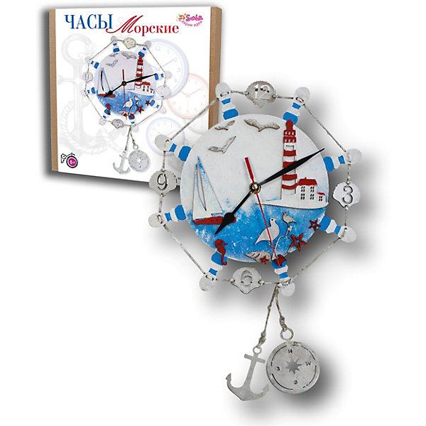 Набор для творчества Santa Lucia Часы МорскиеНаборы для создания украшений и аксессуаров<br>Характеристики:<br><br>• в наборе: МДФ заготовка, детали декора, краски, шпагат льняной, часовой механизм, инструкция<br>• страна бренда: Россия<br><br>Оригинальные часы, которые создаются собственными руками. Основу необходимо покрасить и декорировать. Ручная работа развивает творческие способности и аккуратность, способствует расслаблению.