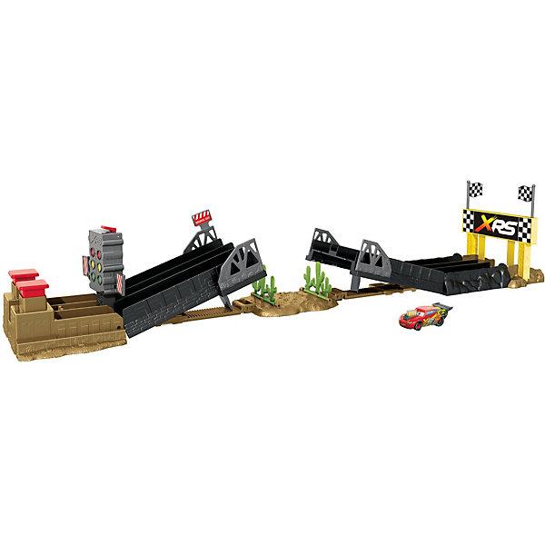 Mattel Автотрек Cars Дрэг-рейсинг с экстремальными тачками mattel mattel детский автотрек вспыш и чудо машинки прыжок через пылающий вулкан