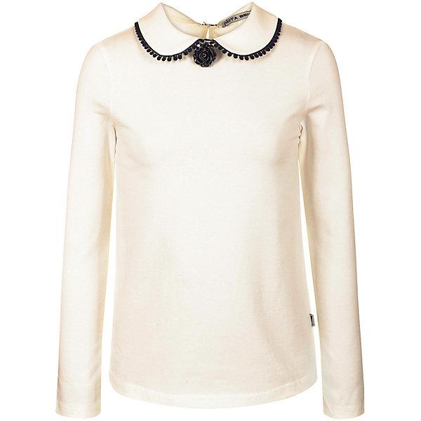 Блузка Nota BeneБлузки и рубашки<br>Характеристики:<br><br>• состав ткани: 92% хлопок, 8% лайкра<br>• сезон: демисезон<br>• застёжка: пуговица на спинке<br>• особенности: школьная, нарядная<br>• страна бренда: Россия<br><br>Блузка с отложным воротником, который украшен контрастной тесьмой и брошкой в виде цветка. Изделие комфортного кроя удобно при носке. На спинке капельный вырез около застёжки. Модель изготовлена с использованием натуральной ткани, которая обеспечивает хороший воздухообмен.