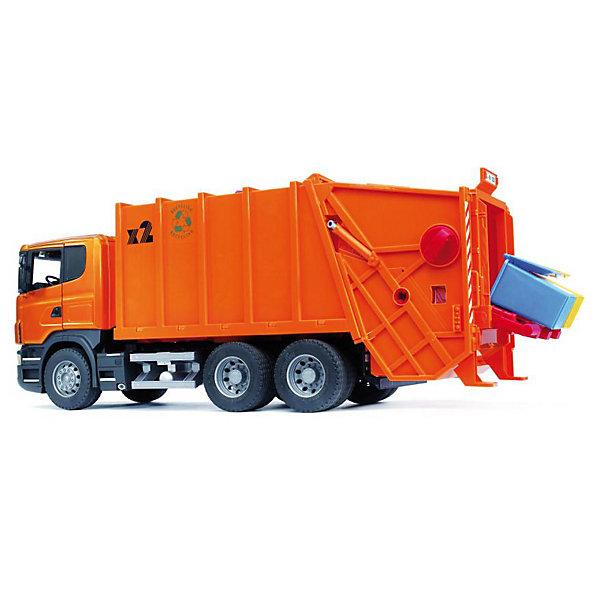 Машинка Bruder Мусоровоз ScaniaМашинки, самолёты, автортреки<br>Характеристики товара:<br><br>• материал: пластик<br>• в комплекте: машинка, 2 мусорные корзины<br>• серия: Мусоровозы<br>• масштаб: 1:16<br>• подвижные элементы<br>• упаковка: картонная коробка<br>• вес в упаковке: 3,14 г<br>• размер упаковки: 74,2х30,7х21,8 см<br>• страна бренда: Германия<br><br>Мусоровоз сзади обладает подъёмником, который поднимает корзины с мусором и закидывает его внутрь, а ещё его можно откинуть для облегчения выгрузки. Внутри имеется пресс, который двигается при помощи специальной ручки на крыше, сдавливая внутреннее содержимое. Кабина дополнена открывающимися дверями, а зеркала можно складывать. Колёса прорезинены и обладают хорошей проходимостью на любом покрытии. Для игры можно использовать мелко нарезанную бумагу и другие материалы.