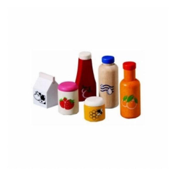 PLAN TOYS 3432 Набор еда и напиткиИгрушечные продукты питания<br>PLAN TOYS (Плен тойс) 3432: Набор еда и напитки. <br><br>Характеристика:<br><br>• Материал: каучуковое дерево, нетоксичные краски на водной основе.    <br>• Размер упаковки: 18,8х7,5х23 см<br>• Комплектация: фруктовый сок, вода, молоко, кетчуп, баночка варенья и мед. <br>• Все детали  набора отлично детализированы и реалистично раскрашены. <br>• Безопасные закругленные края. <br><br>Набор от PLAN TOYS (Плен тойс) - отличное дополнение к любой ролевой игре. В набор входят еда и напитки для питательного, вкусного и полезного завтрака. Все игрушки прекрасно детализированы и реалистично раскрашены, не имеют острых углов, которые могут травмировать ребенка. Изготовлены из высококачественных материалов с применением гипоаллергенных, нетоксичных красителей.<br><br>PLAN TOYS (Плен тойс) 3432: Набор еда и напитки можно купить в нашем интернет-магазине.