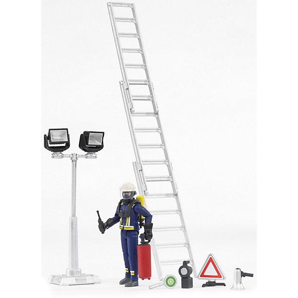 Игровая фигурка Bruder Пожарный, 107мм с аксессуарамиСолдатики, люди и рыцари<br>Характеристики:<br><br>• возраст: от 4 лет<br>• в наборе: фигурка пожарного, перчатки, дыхательная маска, шлем, трехуровневая лестница, кислородный баллон, фонари на стойке, огнетушитель, рупор, рация, фонарь, дорожный знак «Внимание», предупреждающий знак .<br>• высота фигурки: 10,7 см.<br>• материал: пластик<br>• упаковка: картонная коробка блистерного типа<br>• размер упаковки: 17,8x7,6x30,5 см.<br>• страна обладатель бренда: Германия<br><br>Фигурка Пожарного с аксессуарами от бренда Bruder (Брудер) позволит малышу придумать много захватывающих игр.<br><br>Фигурка сотрудника противопожарной службы отличается максимальной детализацией: у пожарного точно прорисованные черты лица, тщательно проработан комбинезон. Руки и ноги у фигурки сгибаются, голова вращается. В руках пожарный может удерживать небольшие предметы, к примеру, рацию и огнетушитель. Также он способен держаться руками за руль машинки Bruder (приобретается отдельно).<br><br>Набор укомплектован самыми современными средствами пожаротушения. Лестница выдвигается на 3 уровня, что позволит взобраться даже на высотные здания. Дыхательная маска, шлем, кислородный баллон и мощный фонарь помогут не потеряться и не задохнуться среди густого дыма, а предупредительный знак, рупор и яркие сигнальные фонари на стойке сообщат окружающим об опасности.<br><br>Набор изготовлен из высококачественного пластика, устойчивого к износу и ударам. Продукция сертифицирована, экологически безопасна для ребенка, использованные красители не токсичны и гипоаллергенны.<br>Ширина мм: 232; Глубина мм: 192; Высота мм: 83; Вес г: 216; Возраст от месяцев: 48; Возраст до месяцев: 96; Пол: Мужской; Возраст: Детский; SKU: 3349033;