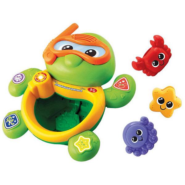 Игрушка для ванной Черепаха, VtechИдеи подарков<br>Игрушка для ванной Черепаха, Vtech (Втеч).<br><br>Характеристики:<br><br>• Для детей от 9 месяцев<br>• Комплектация: музыкальная черепаха, 3 фигурки морских животных<br>• 5 мелодий, множество звуков песенка из мультфильма «Крошка Енот»<br>• Материал: пластик<br>• Батарейки: 2 типа ААА (в комплекте демонстрационные)<br>• Упаковка: красочная подарочная коробка<br>• Размер упаковки: 30х25х12 см.<br><br>Плавающая черепаха от французской компании Vtech – восхитительная игрушка для ванны, с которой купание вашего малыша будет не только веселым, но и познавательным! <br><br>Нажимая на кнопочки, расположенные на лапках черепахи, ваш малыш выучит названия морских животных, цвета и геометрические фигуры. В набор также 3 фигурки морских животных (краб, звездочка и осьминог-брызгалка). Если фигурки поместить в живот черепахи, то можно услышать веселые звуки. <br><br>Черепашка является водонепроницаемой, опуская и вынимая её из воды, малыш услышит множество веселых мелодий и фраз. Игрушка изготовлена из прочного безопасного не бьющегося пластика. Продается в красочной коробке и идеально подходит в качестве подарка.<br><br>Игрушку для ванной Черепаха, Vtech (Втеч) можно купить в нашем интернет-магазине.