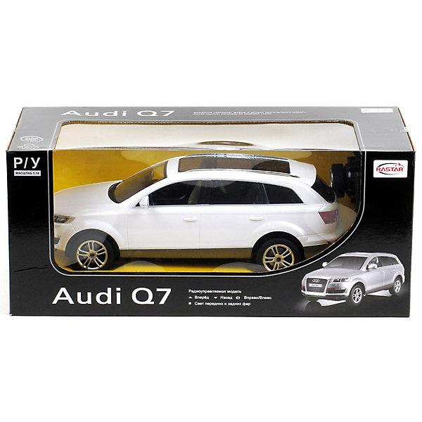 Машина AUDI Q7 1:14, свет, на р/у, RASTARРадиоуправляемые машины<br>Радиоуправляемая модель автомобиля Audi Q7 от Rastar выполнена в масштабе 1:14 из металла с пластмассовыми деталями — точная копия оригинального автомобиля.<br>Автомобиль может двигаться вперед, назад, влево, вправо со скоростью до 12 км/ч. При движении вперед у автомобиля светятся фары.<br>Радиус управления игрушкой до 35 метров.  При игре с автомобилем отлично развиваются логическое мышление и  координация движений.<br><br>Радиоуправляемая машина Audi Q7 от Rastar обрадует любого мальчишку!<br><br>Дополнительная информация:<br><br>- Пульт радиоуправления на частоте 27MHz.<br>- Материал: металл, высококачественная пластмасса<br>- Размеры упаковки(ДхШхВ): 22 x 46 x 20 см<br>- Размеры автомобиля(ДхШхВ):  36x14x12 см<br>- Батарейки: 5 х АА, 1 х «Крона». В комплект не входят.<br>- Вес: 1,58 кг<br>Внимание! Данный товар представлен в ассортименте и может отличаться цветовым исполнением (черный, серебристый, белый и проч.) К сожалению, предварительный выбор определенного цвета товара невозможен.<br><br>Машину AUDI Q7 1:14, свет, на р/у, RASTAR, в ассортименте можно купить в нашем интернет-магазине.<br>Ширина мм: 220; Глубина мм: 460; Высота мм: 200; Вес г: 1580; Возраст от месяцев: 36; Возраст до месяцев: 1188; Пол: Мужской; Возраст: Детский; SKU: 3482931;