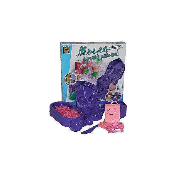 Веселое мыловарение, CreativeНаборы для создания мыла и свечей<br>Набор Веселое мыловарение Creative - увлекательный набор для творчества, который познакомит ребенка с процессом мыловарения и позволит создать своими руками оригинальное ароматное мыло.<br><br>Процесс создания мыла очень увлекателен и не представляет сложностей для ребенка. Нужно перемешать входящие в набор мыльные хлопья с водой до получения однородной массы, а затем разлить полученную мыльную смесь в углубления формочек и дать ей подсохнуть несколько минут. Вскоре смесь затвердеет и Вы получите оригинальное мыло с необычным дизайном. Мыло ручной работы можно использовать как для умывания, так и в качестве подарка друзьям, украсив его интересной наклейкой и упаковав в подарочный мешочек, который также входит в комплект.<br><br>Дополнительная информация:<br><br>- В комплекте: 2 упаковки мыльных хлопьев, 2 формочки для мыла, мерная ложечка, 1 миска для смешивания ингредиентов, 1 пластиковый ножик, мерная ложка с двумя  наконечниками, 12 листов подарочной бумаги, 4 красивых мешочка, 8 наклеек, 12 золотых ленточек, 24 плёнки, подробная инструкция.<br>- Размер упаковки: 30 x 30 x 6 см. <br>- Вес: 0,3 кг.<br><br>Набор Веселое мыловарение от Creative можно купить в нашем интернет-магазине.<br>Ширина мм: 295; Глубина мм: 295; Высота мм: 60; Вес г: 600; Возраст от месяцев: 84; Возраст до месяцев: 144; Пол: Женский; Возраст: Детский; SKU: 3530658;