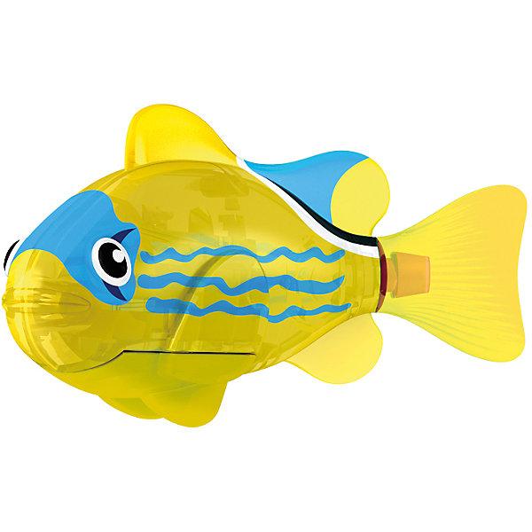 РобоРыбка светодиодная  Желтый фонарь, RoboFishРоборыбки<br>РобоРыбка светодиодная Желтый Фонарь, RoboFish (РобоФиш) - это инновационная рыбка, которая при соприкосновении с водой начинает не только плавать как живая, но и светиться.  <br><br>Симпатичная РобоРыбка с весёлым окрасом в виде чёрных и синих элементов на жёлтом фоне, как и другие рыбки светящейся серии, оснащается специальным маленьким светодиодом внутри, который красиво светится жёлтым светом. Интересней всего это смотрится тогда, когда в аквариуме будут находиться ещё и другие модели светящихся рыбок. Мягкий силиконовый хвост и электромагнитный мотор помогают рыбкам двигаться в 5 различных направлениях. Игрушка плавает в воде в течение 4-4,5 минут, после чего ее можно вынуть из воды, и снова опустить в воду, чтобы рыбка заработала снова.<br><br>Комплектация: РобоРыбка, 4 батарейки, подставка<br><br>Дополнительная информация:<br><br>-Длина игрушки: около 7 см, высота: 3,5 см   <br>-Работает от 2х батареек типа А76 или RL44 (есть в комплекте 4 шт.)<br>-Материалы: силикон, пластмасса<br><br>Не знаете чем удивить своего ребенка? Подарите ему светящуюся РобоРыбку! РобоРыбки не только плавают в воде, но и светятся!<br><br>РобоРыбку светодиодную Желтый Фонарь, RoboFish (РобоФиш) можно купить в нашем магазине.<br>Ширина мм: 60; Глубина мм: 200; Высота мм: 50; Вес г: 90; Возраст от месяцев: 60; Возраст до месяцев: 144; Пол: Унисекс; Возраст: Детский; SKU: 3544548;