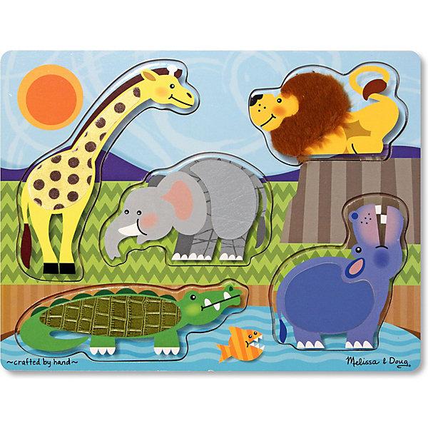Рамка-вкладыш Зоопарк, 5 деталей, Melissa &amp; DougОбучающие игры<br>Пазл Зоопарк, 5 деталей, Melissa &amp; Doug - идеальный выбор для самых маленьких. Игрушки с изображением животных привлекают внимание малышей. Кроха обязательно узнает: жирафа, льва, крокодила, бегемота и конечно слона. Фигурки с замечательными животными вынимаются и малышу необходимо вставить их на место. Делать это крохе будет намного интереснее, ведь с помощью искусственного меха производители сымитировали настоящую шерстку животных, живущих в зоопарке. Малыш будет снова и снова прикасаться к любимым животным и развивать тактильные навыки, так необходимые малышу для познания мира. Играйте и наслаждайтесь вместе с  Melissa &amp; Doug!<br><br>Дополнительная информация:<br><br>- Пазл 5 деталей идеален для самых маленьких;<br>- Потрясающие подарок для ребенка;<br>- Отличный тренажер мелкой моторики;<br>- Красочный дизайн;<br>- Каждое животное покрыто шерсткой;<br>- Материал: натуральное дерево, прессованный картон, ПВХ;<br>- Размер игрушки: 30 х 22 х 1 см;<br>- Размер упаковки: 30 х 10 х 23 см;<br>- Вес: 453 г<br><br>Пазл Зоопарк, 5 деталей, Melissa &amp; Doug   можно купить в нашем интернет-магазине.<br>Ширина мм: 300; Глубина мм: 10; Высота мм: 230; Вес г: 453; Возраст от месяцев: 24; Возраст до месяцев: 36; Пол: Унисекс; Возраст: Детский; SKU: 3861958;