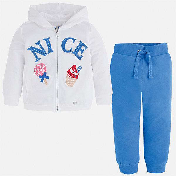 Спортивный костюм для девочки MayoralКомплекты<br>Характеристики товара:<br><br>• цвет: белый/синий<br>• состав: 58% хлопок, 39% полиэстер, 3% эластан<br>• комплектация: курточка, штаны<br>• куртка декорирована принтом<br>• карманы<br>• капюшон<br>• штаны однотонные<br>• пояс на шнурке<br>• манжеты<br>• страна бренда: Испания<br><br>Стильный качественный спортивный костюм для девочки поможет разнообразить гардероб ребенка и удобно одеться в теплую погоду. Курточка и штаны отлично сочетаются с другими предметами. Универсальный цвет позволяет подобрать к вещам верхнюю одежду практически любой расцветки. Интересная отделка модели делает её нарядной и оригинальной. В составе материала - натуральный хлопок, гипоаллергенный, приятный на ощупь, дышащий.<br><br>Одежда, обувь и аксессуары от испанского бренда Mayoral полюбились детям и взрослым по всему миру. Модели этой марки - стильные и удобные. Для их производства используются только безопасные, качественные материалы и фурнитура. Порадуйте ребенка модными и красивыми вещами от Mayoral! <br><br>Спортивный костюм для девочки от испанского бренда Mayoral (Майорал) можно купить в нашем интернет-магазине.<br>Ширина мм: 247; Глубина мм: 16; Высота мм: 140; Вес г: 225; Цвет: голубой; Возраст от месяцев: 18; Возраст до месяцев: 24; Пол: Женский; Возраст: Детский; Размер: 92,104,98,110,116,128,122,134; SKU: 4071563;