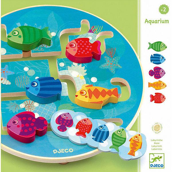 Настольная игра Аквариум, DJECOНастольные игры для всей семьи<br>Настольная игра Аквариум, Djeco (Джеко), - красочная увлекательная игра, которая обязательно понравится Вашему малышу. В комплекте Вы найдете круглое игровое поле голубого цвета в виде аквариума со специальными прорезями - полозьями. По полозьям перемещаются разноцветные яркие фигурки рыбок. Малышу нужно, передвигая фигурки по полозьям, расположить их в той цветовой последовательности, которая указана карточке с заданием. Крупные деревянные рыбки очень удобны для детских ручек. Все детали изготовлены из высококачественных материалов. Игра развивает логическое и пространственное мышление, внимательность, усидчивость, тренирует мелкую моторику.  <br><br>Дополнительная информация:<br><br>- В комплекте: игровое поле, 5 фигурок рыбок, 10 карточек с заданиями.<br>- Материал: дерево.<br>- Размер упаковки: 26,5 х 26,5 х 6 см.<br>- Вес: 0,8 кг.<br><br>Настольную игру Аквариум, Djeco (Джеко), можно купить в нашем интернет-магазине.<br>Ширина мм: 60; Глубина мм: 280; Высота мм: 10; Вес г: 880; Возраст от месяцев: 24; Возраст до месяцев: 72; Пол: Унисекс; Возраст: Детский; SKU: 4215009;