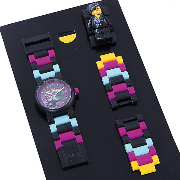 Часы наручные аналоговые с минифигурой Lucy на ремешке, LEGOАксессуары<br>Наручные аналоговые часы LEGO имеют высококачественный японский кварцевый механизм и отличаются надежностью и точностью хода. Они способны выдержать статическое давление 50-метрового водяного столба (5 атмосфер). Такая водонепроницаемость позволяет работать с водой в часах. Нельзя использовать для ныряния, прыжков в воду, виндсерфинга и т.п. Линза часов имеет высокую устойчивость к царапинам, поэтому их может носить даже самый неугомонный и неаккуратный мальчишка. Пластиковые браслеты имеют прочный механизм сцепления, а сменные секции позволяют удлинить или укоротить браслет. В составе часов не содержится никеля и ПВХ. Фирменные наручные часы от компании LEGO станут замечательным подарком любому любителю и фанату конструкторов.<br>Характеристики:<br>Диаметр циферблата наручных часов: 2,5 см. <br>Длина ремешка наручных часов (с учетом корпуса): 21 см. <br>Ширина ремешка: 2 см. <br>Количество деталей: 24.<br>Материал: пластик, металл, стекло. <br>Изготовитель: Китай.<br>Рекомендуемый возраст: от 6 лет.<br>Ширина мм: 170; Глубина мм: 157; Высота мм: 67; Вес г: 117; Возраст от месяцев: 36; Возраст до месяцев: 2147483647; Пол: Женский; Возраст: Детский; SKU: 4424072;