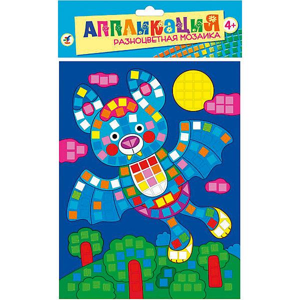 Разноцветная мозаика мини Летучая мышьАппликации из бумаги<br>Разноцветная мозаика Летучая мышь - увлекательный набор для детского творчества, который поможет Вашему ребенку без ножниц и клея сделать красивую картинку. Техника выполнения мозаики проста и не представляет сложностей: на картинку-основу уже нанесен рисунок со схемой размещения квадратиков, нужно лишь снять защитную пленку с деталей и аккуратно вклеить их согласно образцу. Разноцветные детали-квадратики выполнены из мягкого, приятного на ощупь материала ЭВА.. Все элементы имеют самоклеющуюся основу, легко приклеиваются и прочно держатся. Итогом работы станет красочная мозаика с изображением разноцветной летучей мыши. Работа с мозаикой развивает у ребенка цветовое восприятие, образно-логическое мышление и пространственное воображение, тренирует мелкую моторику.<br><br>Дополнительная информация:<br><br>- В комплекте: основа с рисунком и схемой размещения квадратиков, самоклеящиеся квадратики из мягкого пластика 8 цветов.<br>- Материал: картон, мягкий пластик ЭВА.<br>- Размер упаковки: 20 х 15 x 0,5 см.<br>- Вес: 38 гр.<br><br>Разноцветную мозаику мини Летучая мышь, Дрофа Медиа, можно купить в нашем интернет-магазине.<br>Ширина мм: 160; Глубина мм: 205; Высота мм: 7; Вес г: 85; Возраст от месяцев: 48; Возраст до месяцев: 2147483647; Пол: Унисекс; Возраст: Детский; SKU: 4561873;