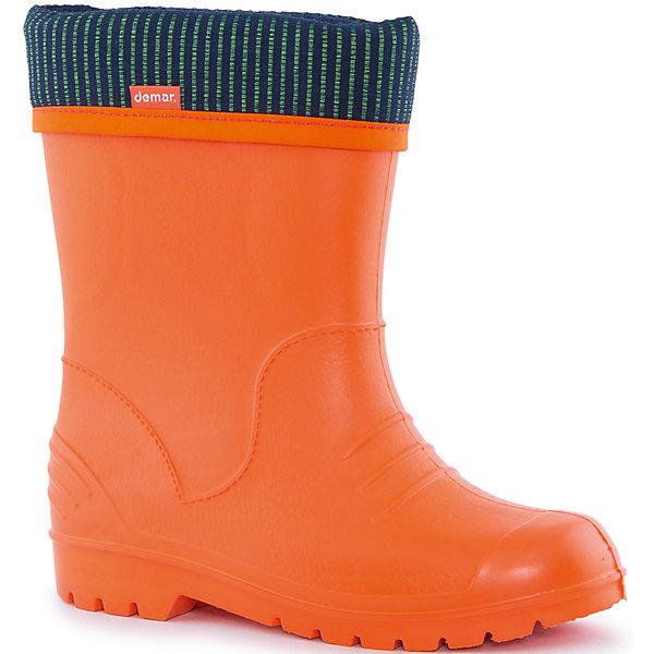 Резиновые сапоги со съемным носком Demar DinoРезиновые<br>Характеристики товара:<br><br>• цвет: оранжевый<br>• материал верха: ЭВА<br>• материал подкладки: текстиль <br>• материал подошвы: ЭВА<br>• температурный режим: от 0° до +15° С<br>• верх не продувается<br>• съемный чулок<br>• стильный дизайн<br>• страна бренда: Польша<br>• страна изготовитель: Польша<br><br>Осенью и весной ребенку не обойтись без резиновых сапог со съемным носком! Чтобы не пропустить главные удовольствия межсезонья, нужно запастись удобной обувью. Такие резиновые сапоги со съемным носком обеспечат ребенку необходимый для активного отдыха комфорт, а подкладка из текстиля позволит ножкам оставаться теплыми. Резиновые сапоги со съемным носком легко надеваются и снимаются, отлично сидят на ноге. Они удивительно легкие!<br>Обувь от польского бренда Demar - это качественные товары, созданные с применением новейших технологий и с использованием как натуральных, так и высокотехнологичных материалов. Обувь отличается стильным дизайном и продуманной конструкцией. Изделие производится из качественных и проверенных материалов, которые безопасны для детей.<br><br>Резиновые сапоги со съемным носком от бренда Demar (Демар) можно купить в нашем интернет-магазине.
