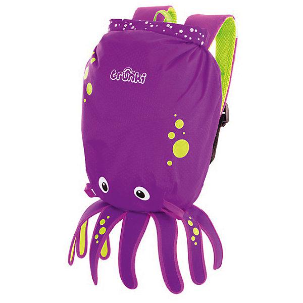 Рюкзак для бассейна и пляжа ОсьминогДетские рюкзаки<br>Рюкзак Осьминог- стильный нарядный рюкзачок, который замечательно подойдет для занятий спортом, походов в бассейн или на пляж. Необычный рюкзак выполнен из прочного водоотталкивающего материала в виде забавного осьминога с щупальцами. Рюкзак закрывается с помощью герметичной крышки-скрутки, которая сохранит содержимое и защитит от проникновения воды. Внутри одно большое отделение. На внешней стороне имеются специальное крепление, куда можно подвесить детские солнцезащитные очки, а также небольшой карман в нижней части рюкзака. Рюкзак оснащен широкими эргономичными лямками, которые регулируются до нужного размера, и петлей для подвешивания. Светоотражающие элементы обеспечивают безопасность на дороге и в темное время суток. Яркий стильный аксессуар непременно понравится Вашему ребенку и превратит любую поездку в веселое приключение.<br><br>Дополнительная информация:<br><br>- Материал: текстиль. <br>- Объем: 7,5 л. <br>- Размер рюкзака: 29 х 37 х 20 см.<br>- Вес: 170 гр.<br><br>Рюкзак для бассейна и пляжа Осьминог, желтый, Trunki, можно купить в нашем интернет-магазине.