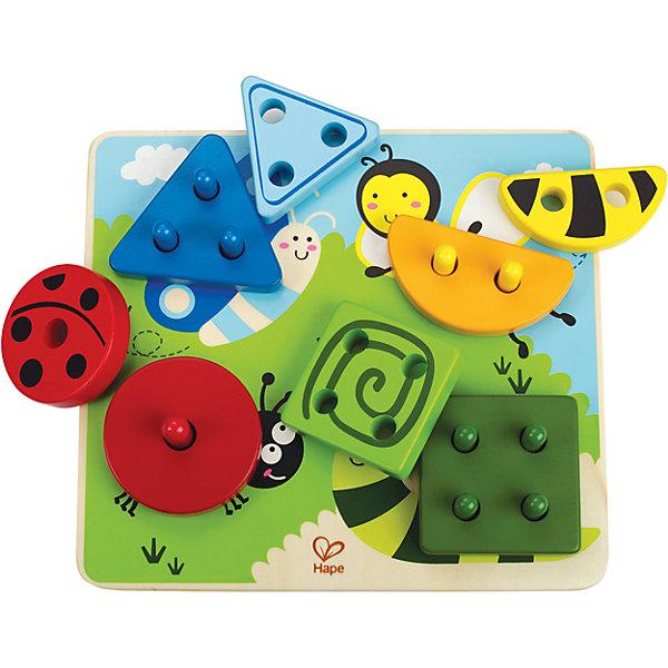Сортер Веселая поляна, HAPEРазвивающие игрушки<br>Игрушка состоит из красочного основания и 8-ми деталей.  Детали различаются формой, цветом  и количеством отверстий, по 2 каждого вида. На детали, которые должны располагаться в верхней части, нанесен рисунок, только верно расположив их, малыш соберет божью коровку, улитку, бабочку и пчелу. Игрушка способствует развитию моторики, логики, научит различать цвета и формы, познать основы счета. <br><br>Дополнительная информация:<br><br>- Материал: дерево<br>- Размер упаковки: 21x6x24 см.<br><br>Сортер Веселая поляна, HAPE (Хапе), можно купить в нашем магазине.<br>Ширина мм: 210; Глубина мм: 210; Высота мм: 240; Вес г: 500; Возраст от месяцев: 2; Возраст до месяцев: 60; Пол: Унисекс; Возраст: Детский; SKU: 4729137;