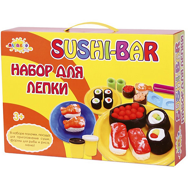 Набор для лепки Волшебство кулинарии - Суши-БарНаборы для лепки игровые<br>Стать мастером по приготовлению суши легко с новым набором для творчества. Откройте настоящий суши-ресторан! В этом вам помогут формы для рыбы и риса, меню на русском языке, посуда и даже палочки. Слепленные суши и роллы выглядят как настоящие!<br><br>Лепка тренирует у ребёнка мелкую моторику, побуждает его фантазировать, вдохновляет к творчеству.<br><br>Дополнительная информация:<br><br>- Материал: натуральный состав для лепки, пластик, бумага.<br>- Возраст ребёнка: от 3 до 6 лет.<br>- В наборе: 5 баночек массы для лепки по 85 гр., формочки для рыбы, форма для риса, 3 чашки, 3 тарелки, скалка, 3 набора палочек, меню, обертка для заказа.<br>- Состав массы для лепки: вода, мука пшеничная, ванильный экстракт, белый вазелин, хлористый натрий (соль), консервант (сорбат калия), хлорид кальция, пигмент цвета.<br>- Размер упаковки: 37x26x7,5 см.<br><br>Купить набор для лепки Волшебство кулинарии - Суши-Бар можно в нашем магазине.<br>Ширина мм: 370; Глубина мм: 260; Высота мм: 75; Вес г: 1192; Возраст от месяцев: 36; Возраст до месяцев: 72; Пол: Унисекс; Возраст: Детский; SKU: 4753805;