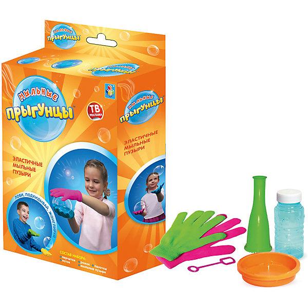 Мыльные пузыри 1toy Прыгунцы, 60 млМыльные пузыри<br>Характеристики:<br><br>• возраст: от 3 лет;<br>• материал: пластик, мыльный раствор;<br>• комплектация: 2 перчатки, ёмкость для раств., рожок, палочка для м.пузырей, 60мл раствор, коробка;<br>• вес: 250 гр;<br>• размер: 17х21х4 см;<br>• страна бренда: Россия;<br>• бренд: 1Toys.<br><br>Прыгунцы, эластичные мыльные пузыри - это необычные мыльные пузыри, после их выдувания они долго не лопаются, в то же время сохраняя другие свойства обычных мыльных пузырей, причём эластичными мыльными пузырями «Прыгунцы» можно даже играть — например, жонглировать в воздухе.<br><br>Прыгунцы, эластичные мыльные пузыри можно купить в нашем интернет-магазине.<br>Ширина мм: 165; Глубина мм: 210; Высота мм: 40; Вес г: 168; Возраст от месяцев: 36; Возраст до месяцев: 192; Пол: Унисекс; Возраст: Детский; SKU: 4767362;