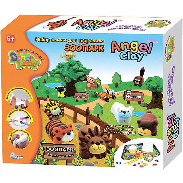 Игровой набор для лепки из глины Animal Park, Angel ClayГлина для лепки<br>Очень мягкая и легкая глина для лепки. Она прекрасно лепится, быстро принимает любую текстуру и хорошо окрашивается в любой цвет.<br>А если смочить глину водой и подождать пару часов, она снова будет готова к использованию!<br>С таким набор Ваш ребенок сможет лепить и придумывать разных зверюшек сколько ему захочется!<br><br>В наборе:<br>- Ангельская глина 1 баночка 180мл (белый цвет для окрашивания).<br>- Ангельская глина 3 баночки по 18мл (красная, желтая и синяя).<br>- Мягкие формочки мордочек животных.<br>- Инструменты.<br>- Заготовка для патрульной машины смотрителя Зоопарка.<br>- Инструкция.<br><br>Дополнительная информация:<br><br>- Возраст: от 3 лет.<br>- Размер упаковки: 30х26,5х6 см.<br>- Вес в упаковке: 400 г.<br><br>Купить игровой набор для лепки из глины Animal Park от Angel Clay, можно в нашем магазине.<br>Ширина мм: 300; Глубина мм: 265; Высота мм: 60; Вес г: 400; Возраст от месяцев: 36; Возраст до месяцев: 96; Пол: Унисекс; Возраст: Детский; SKU: 4823370;