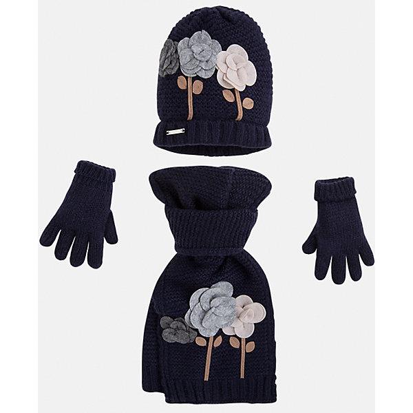 Комплект:шапка, шарф и перчатки для девочки MayoralШарфы, платки<br>Комплект: шапка, шарф и перчатки для девочки Mayoral от известного испанского бренда Mayoral. Вязаный комплект выполнен из акриловой пряжи с добавлением полиамида, что обеспечивает высокую износоустойчивость, сохранение формы и цвета даже при длительном использовании. Комплект выполнен в синем цвете рельефной вязкой:  на шапке и перчатках имеются отвороты из вязаной резинки. Шарф и шапка оформлены объемной аппликацией в форме разноцветных роз. <br><br>Дополнительная информация:<br><br>- Предназначение: повседневная одежда<br>- Комплектация: шапка, шарф, перчатки <br>- Цвет: темно-синий<br>- Пол: для девочки<br>- Состав: 87% акрил, 13% полиамид<br>- Сезон: осень-зима-весна<br>- Особенности ухода: стирка при температуре 30 градусов, разрешается химическая чистка, глажение <br><br>Подробнее:<br><br>• Для детей в возрасте: от 2 лет и до 9 лет<br>• Страна производитель: Китай<br>• Торговый бренд: Mayoral<br><br>Комплект: шапка, шарф и перчатки для девочки Mayoral (Майорал) можно купить в нашем интернет-магазине.<br>Ширина мм: 89; Глубина мм: 117; Высота мм: 44; Вес г: 155; Цвет: синий; Возраст от месяцев: 24; Возраст до месяцев: 48; Пол: Женский; Возраст: Детский; Размер: 48-50,54-56,52-54; SKU: 4847770;