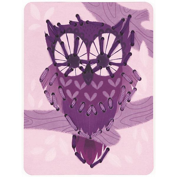 Шнуровка Животные (6 карточек, 13 нитей)Шнуровки<br>Игра «Шнуровка Животные, 6 карт+13 нитей», производства французской компании Janod, предназначена для детей от 3 лет и является одним из видов развивающих игр для детей. Шнуровка развивает мелкую моторику рук и пальцев, что способствует развитию речи ребенка.<br><br>В большой набор входят 6 разноцветных и веселых карточек из картона с изображениями животных - кит, осьминог, еж, лиса, сова, пеликан, а также 13 цветных шнурков.<br><br>На каждую карточку нанесена перфорация по контуру рисунка. В процессе игры, ребенок продевает шнурок через эти отверстия, обозначая силуэт животного. В процессе игры вы сможете помочь ребенку освоить основные цвета, виды животных. Продемонстрируйте ребенку большие карточки и предложите самостоятельно подобрать цвет шнурка.<br><br>Все элементы окрашены естественными цветами и специальными красками, которые безопасны для детей.<br><br>Игрушка упакована в красивую подарочную коробку.<br><br>Игра «Шнуровка Животные, 6 карт+13 нитей»:<br><br>    13 разноцветных шнурков;<br>    6 картонных карточек с изображением животных и перфорацией;<br>    плотный высококачественный картон;<br>    отличная полиграфия;<br>    красивая подарочная упаковка.<br>Ширина мм: 17; Глубина мм: 20; Высота мм: 5; Вес г: 500; Возраст от месяцев: 36; Возраст до месяцев: 2147483647; Пол: Унисекс; Возраст: Детский; SKU: 4871825;