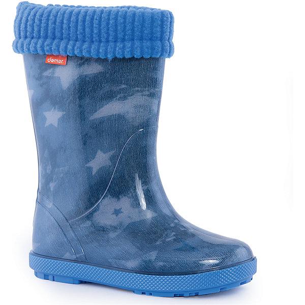 Резиновые сапоги со съемным носком Demar Stormer Lux PrintРезиновые<br>Характеристики товара:<br><br>• цвет: синий<br>• внешний материал: ПВХ<br>• внутренний материал: текстиль<br>• стелька: ворсин<br>• подошва: ПВХ<br>• сезон: демисезон<br>• температурный режим: от 0 до +20<br>• съемный внутренний сапожок<br>• непромокаемые<br>• подошва не скользит<br>• анатомические <br>• высокие<br>• страна бренда: Польша<br>• страна изготовитель: Польша<br><br>Демисезонные резиновые сапоги со съемным носком Демар отличаются оригинальным дизайном. Резиновые сапоги со съемным носком  для мальчика Demar сделаны из плотного надежного материала. <br><br>Сохранить ноги в тепле и сухости позволит такая непромокаемая детская обувь. Подошва с протектором не скользит. <br><br>Резиновые сапоги со съемным носком  для мальчика Demar (Демар) можно купить в нашем интернет-магазине.