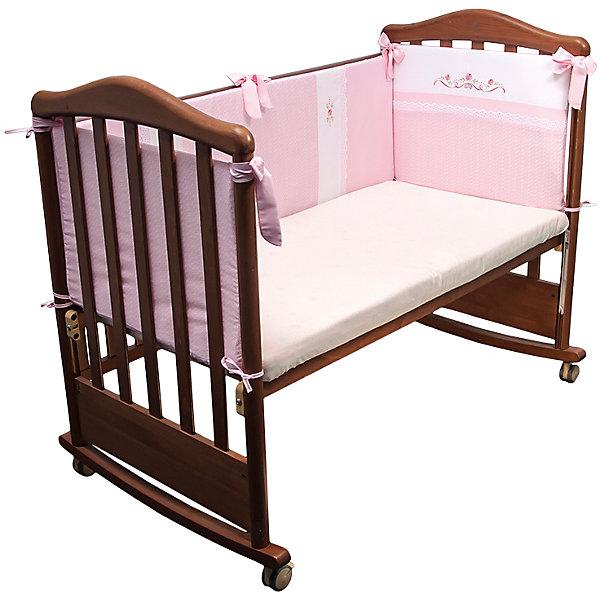 Бортик в кроватку Прованс, Сонный гномик, розовыйПостельное белье в кроватку новорождённого<br>Характеристики:<br><br>• Вид детского текстиля: бортики для кроватки<br>• Пол: для девочки<br>• Серия: Прованс<br>• Тематика рисунка: цветы <br>• Сезон: круглый год<br>• Материал: сатин, хлопок 100%<br>• Наполнитель: холлофайбер Хард<br>• Цвет: розовый, белый, зеленый<br>• Размеры: 360*42 см<br>• Съемные чехлы на молнии<br>• Способ крепления к кроватке: завязки<br>• Упаковка: полиэтилен <br>• Вес в упаковке: 1 кг 010 г<br>• Особенности ухода: машинная стирка при температуре 30 градусов<br><br>Борт Прованс Сонный гномик, розовый от отечественного торгового бренда выполнен с учетом международных требований к качеству и безопасности товаров для детей. Комплект предназначен для детских кроваток, спальное место которых составляет не менее 120*60 см. Бортики состоят их четырех частей, выполнены из 100% хлопка с повышенными качественными характеристиками: гигроскопичные, гипоаллергенные, устойчивые к изменению цвета и формы, а также к изминанию, что наиболее важно для детского постельного белья. Все части выполнены из цельного полотна, боковые швы – закрытые, что обеспечивает их прочность и надежность. Для удобства ухода за изделием, предусмотрены съемные чехлы. Бортики декорированы горизонтальными и вертикальными полосами с цветочным орнаментом. <br>Борт Прованс Сонный гномик, розовый обеспечит безопасность и комфорт для крепкого детского сна! <br><br>Борт Прованс Сонный гномик, розовый можно купить в нашем интернет-магазине.