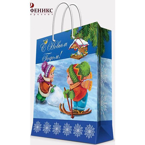 Подарочный пакет Зимние забавы 17,8*22,9*9,8 смНовогодние пакеты<br>Новый год - самый любимый праздник у многих детей и взрослых.  Праздничное настроение создает украшенный дом, наряженная ёлка, запах мандаринов, предновогодняя суета и, конечно же, подарки! Чтобы сделать момент вручения приятнее, нужен красивый подарочный пакет.<br>Этот пакет украшен симпатичным универсальным рисунком, поэтому в него можно упаковать подарок и родственнику, и коллеге. Он сделан из безопасного для детей, прочного, но легкого, материала. Создайте с ним праздничное настроение себе и близким!<br><br>Дополнительная информация:<br><br>плотность: 140 г/м2;<br>размер: 18 х 23 х 10 см;<br>с ламинацией;<br>украшен рисунком.<br><br>Подарочный пакет Зимние забавы 17,8*22,9*9,8 см можно купить в нашем магазине.<br>Ширина мм: 178; Глубина мм: 229; Высота мм: 98; Вес г: 42; Возраст от месяцев: 36; Возраст до месяцев: 2147483647; Пол: Унисекс; Возраст: Детский; SKU: 4981393;