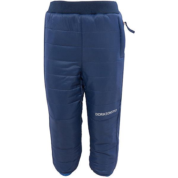 Брюки Kilpa двухсторонние DIDRIKSONSВерхняя одежда<br>Характеристики товара:<br><br>• цвет: синий/голубой<br>• материал: 100% полиэстер, подкладка 100% полиэстер<br>• стеганые<br>• температурный режим от +5 до +20, можно использовать в качестве поддёвы<br>• резинка на поясе<br>• страна бренда: Швеция<br>• страна производства: Китай<br><br>Такие стеганые брюки сейчас очень популярны у детей! Это не только стильно, но еще и очень комфортно, а также тепло. Качественные брюки обеспечат ребенку удобство при прогулках и активном отдыхе в прохладные дне, в межсезонье или зимой. Такая модель от шведского производителя легко стирается, подходит под разные погодные условия.<br>Модель сшита из качественной ткани, дополнена мягкой широкой резинкой на поясе. Очень стильная и удобная модель! Изделие качественно выполнено, сделано из безопасных для детей материалов. <br><br>Брюки от бренда DIDRIKSONS можно купить в нашем интернет-магазине.<br>Ширина мм: 215; Глубина мм: 88; Высота мм: 191; Вес г: 336; Цвет: голубой; Возраст от месяцев: 12; Возраст до месяцев: 15; Пол: Унисекс; Возраст: Детский; Размер: 80,130,140,120,100,90; SKU: 5003980;