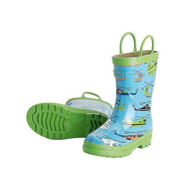 Резиновые сапоги для мальчика HatleyРезиновые сапоги<br>Резиновые сапоги для мальчика Hatley<br><br>Характеристики:<br><br>• Состав: верх - каучук синтетический 100%, подкладка - 100% хлопок<br>• Цвет: голубой, зеленый<br><br>Яркие, стильные и модные резиновые сапоги для мальчика сделаны из высококачественных материалов. Резина сока каучуковых деревьев не даст ножкам промокнуть, а хлопковая подкладка защитит от холода. Внутри есть стелька с аркой, которая способствует правильному формированию стопы. По бокам есть удобные ручки. <br><br>Резиновые сапоги для мальчика Hatley можно купить в нашем интернет-магазине.<br>Ширина мм: 237; Глубина мм: 180; Высота мм: 152; Вес г: 438; Цвет: голубой; Возраст от месяцев: 18; Возраст до месяцев: 21; Пол: Мужской; Возраст: Детский; Размер: 23,22,24; SKU: 5020930;