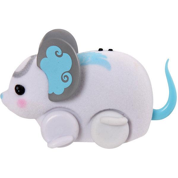 Интерактивная мышка в колесе, белая, Little Live PetsИнтерактивные животные<br>Интерактивная мышка в колесе, белая, Little Live Pets (Литтл лайв петс) от австралийского бренда Moose (Мус). Новая нежная игрушка – мышка, очень приятна на ощупь, ее тельце как будто сделано из бархата. Лапки сделаны в виде колесиков, которые позволяют мышке бегать. Красивые большие ушки мышки отлично сочетаются с рисунками на спинке и хвостиком. Мышка может пищать и издавать интересные звуки, как настоящая если ее поглаживать по спинке. Движения мышки очень похожи на настоящую. В комплект входит голубое колесо для бега. С мышкой можно придумать много игр и почувствовать, будто дома появился новый домашний питомец. <br><br>Дополнительная информация:<br><br>- В комплект входит: 1 мышка, колесо<br>- Состав: пластик, флок<br>- Элементы питания: 3 батарейки AG13 (LR44) (имеются в комплекте)<br>- Умеет пищать<br><br>Интерактивную мышку в колесе, белая, Little Live Pets (Литтл лайв петс), Moose (Мус) можно купить в нашем интернет-магазине.<br>Подробнее:<br>• Для детей в возрасте: от 5 до 8 лет <br>• Номер товара: 5055297<br>Страна производитель: Китай<br>Ширина мм: 55; Глубина мм: 180; Высота мм: 220; Вес г: 200; Возраст от месяцев: 60; Возраст до месяцев: 120; Пол: Унисекс; Возраст: Детский; SKU: 5055297;