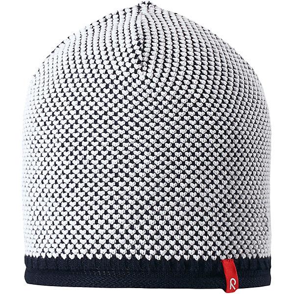 Шапка Seilori для мальчика ReimaШапки и шарфы<br>Характеристики товара:<br><br>• цвет: синий<br>• состав: 100% хлопок<br>• температурный режим: от +10С<br>• эластичный хлопковый трикотаж<br>• изделие сертифицированно по стандарту Oeko-Tex на продукцию класса 2 - одежда, контактирующая с кожей<br>• облегчённая модель без подкладки<br>• эмблема Reima спереди<br>• декоративная структурная вязка<br>• страна бренда: Финляндия<br>• страна производства: Китай<br><br>Детский головной убор может быть модным и удобным одновременно! Стильная шапка поможет обеспечить ребенку комфорт и дополнить наряд. Шапка удобно сидит и аккуратно выглядит. Проста в уходе, долго служит. Стильный дизайн разрабатывался специально для детей. Отличная защита от дождя и ветра!<br><br>Уход:<br><br>• стирать по отдельности, вывернув наизнанку<br>• придать первоначальную форму вo влажном виде<br>• возможна усадка 5 %.<br><br>Шапку для мальчика от финского бренда Reima (Рейма) можно купить в нашем интернет-магазине.<br>Ширина мм: 89; Глубина мм: 117; Высота мм: 44; Вес г: 155; Цвет: синий; Возраст от месяцев: 18; Возраст до месяцев: 36; Пол: Мужской; Возраст: Детский; Размер: 50,56,52,54; SKU: 5267804;