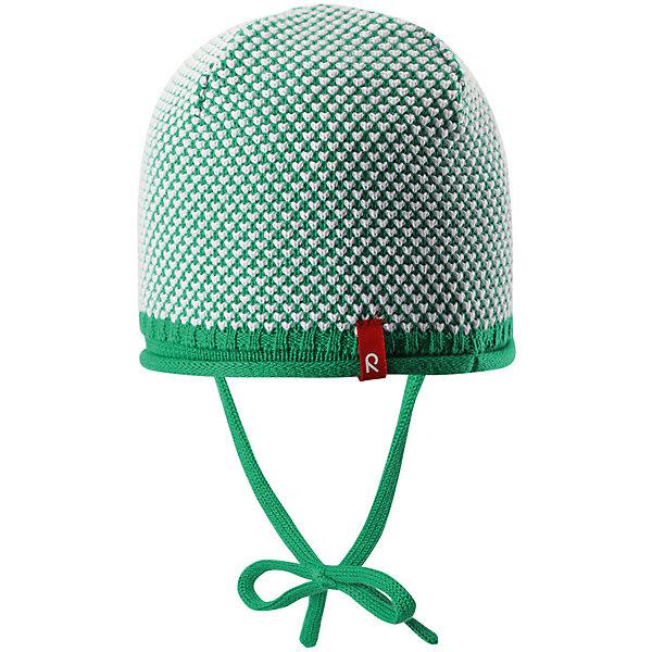 Шапка для мальчика ReimaШапки и шарфы<br>Характеристики товара:<br><br>• цвет: зелёный<br>• состав: 100% хлопок<br>• облегчённая модель без подкладки<br>• температурный режим: от +10С<br>• эластичный хлопковый трикотаж<br>• изделие сертифицированно по старндарту Oeko-Tex на продукцию класса 1 - одежда для новорожденных<br>• завязки во всех размерах<br>• эмблема Reima спереди<br>• декоративная структурная вязка<br>• страна бренда: Финляндия<br>• страна производства: Китай<br><br>Детский головной убор может быть модным и удобным одновременно! Стильная шапка поможет обеспечить ребенку комфорт и дополнить наряд. Шапка удобно сидит и аккуратно выглядит. Проста в уходе, долго служит. Стильный дизайн разрабатывался специально для детей. Отличная защита от дождя и ветра!<br><br>Уход:<br><br>• стирать по отдельности, вывернув наизнанку<br>• придать первоначальную форму вo влажном виде<br>• возможна усадка 5 %.<br><br>Шапку для мальчика от финского бренда Reima (Рейма) можно купить в нашем интернет-магазине.<br>Ширина мм: 89; Глубина мм: 117; Высота мм: 44; Вес г: 155; Цвет: зеленый; Возраст от месяцев: 6; Возраст до месяцев: 9; Пол: Мужской; Возраст: Детский; Размер: 46,52,50,48; SKU: 5270906;
