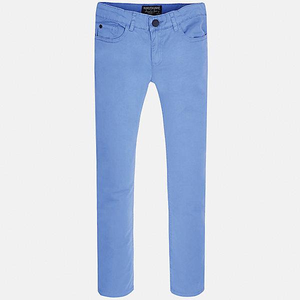 Брюки для мальчика MayoralБрюки<br>Характеристики товара:<br><br>• цвет: голубой<br>• состав: 98% хлопок, 2% эластан<br>• застежка: пуговица<br>• шлевки<br>• карманы<br>• пояс с регулировкой размера<br>• классический силуэт<br>• страна бренда: Испания<br><br>Стильные и удобные брюки для мальчика смогут стать базовой вещью в гардеробе ребенка. Они отлично сочетаются с майками, футболками, рубашками и т.д. Универсальный крой и цвет позволяет подобрать к вещи верх разных расцветок. Практичное и стильное изделие! В составе материала - натуральный хлопок, гипоаллергенный, приятный на ощупь, дышащий.<br><br>Одежда, обувь и аксессуары от испанского бренда Mayoral полюбились детям и взрослым по всему миру. Модели этой марки - стильные и удобные. Для их производства используются только безопасные, качественные материалы и фурнитура. Порадуйте ребенка модными и красивыми вещами от Mayoral! <br><br>Брюки для мальчика от испанского бренда Mayoral (Майорал) можно купить в нашем интернет-магазине.<br>Ширина мм: 215; Глубина мм: 88; Высота мм: 191; Вес г: 336; Цвет: голубой; Возраст от месяцев: 120; Возраст до месяцев: 132; Пол: Мужской; Возраст: Детский; Размер: 140,164,170,152,158,128/134; SKU: 5278108;