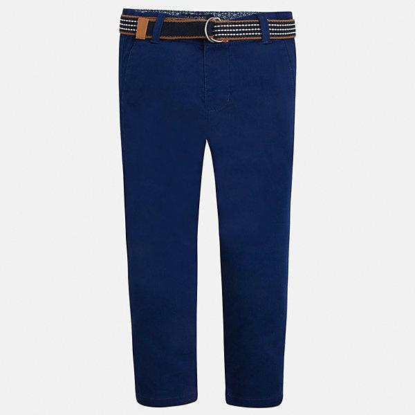 Брюки для мальчика MayoralБрюки<br>Характеристики товара:<br><br>• цвет: синий<br>• состав: 98% хлопок, 2% эластан<br>• контрастная подкладка<br>• шлевки<br>• карманы<br>• пояс с регулировкой объема<br>• классический силуэт<br>• страна бренда: Испания<br><br>Модные брюки для мальчика смогут стать базовой вещью в гардеробе ребенка. Они отлично сочетаются с майками, футболками, рубашками и т.д. Универсальный крой и цвет позволяет подобрать к вещи верх разных расцветок. Практичное и стильное изделие! В составе материала - натуральный хлопок, гипоаллергенный, приятный на ощупь, дышащий.<br><br>Одежда, обувь и аксессуары от испанского бренда Mayoral полюбились детям и взрослым по всему миру. Модели этой марки - стильные и удобные. Для их производства используются только безопасные, качественные материалы и фурнитура. Порадуйте ребенка модными и красивыми вещами от Mayoral! <br><br>Брюки для мальчика от испанского бренда Mayoral (Майорал) можно купить в нашем интернет-магазине.<br>Ширина мм: 215; Глубина мм: 88; Высота мм: 191; Вес г: 336; Цвет: черный; Возраст от месяцев: 18; Возраст до месяцев: 24; Пол: Мужской; Возраст: Детский; Размер: 92,134,98,122,104,110,116,128; SKU: 5280801;