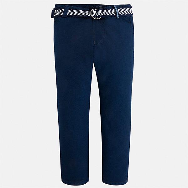 Брюки для мальчика MayoralБрюки<br>Характеристики товара:<br><br>• цвет: темно-синий<br>• состав: 100% хлопок<br>• пуговицы на карманах <br>• шлевки<br>• карманы<br>• пояс с регулировкой объема<br>• классический силуэт<br>• страна бренда: Испания<br><br>Модные брюки для мальчика смогут стать базовой вещью в гардеробе ребенка. Они отлично сочетаются с майками, футболками, рубашками и т.д. Универсальный крой и цвет позволяет подобрать к вещи верх разных расцветок. Практичное и стильное изделие! В составе материала - только натуральный хлопок, гипоаллергенный, приятный на ощупь, дышащий.<br><br>Одежда, обувь и аксессуары от испанского бренда Mayoral полюбились детям и взрослым по всему миру. Модели этой марки - стильные и удобные. Для их производства используются только безопасные, качественные материалы и фурнитура. Порадуйте ребенка модными и красивыми вещами от Mayoral! <br><br>Брюки для мальчика от испанского бренда Mayoral (Майорал) можно купить в нашем интернет-магазине.<br>Ширина мм: 215; Глубина мм: 88; Высота мм: 191; Вес г: 336; Цвет: синий; Возраст от месяцев: 24; Возраст до месяцев: 36; Пол: Мужской; Возраст: Детский; Размер: 134,92,104,110,116,98,122,128; SKU: 5280864;