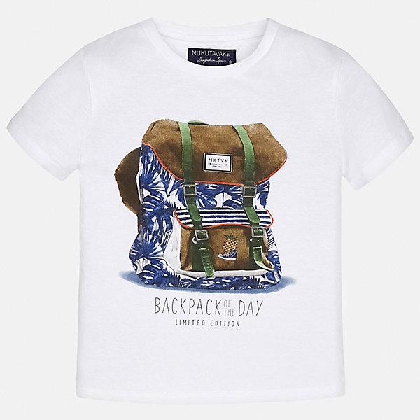 Футболка для мальчика MayoralФутболки, поло и топы<br>Характеристики товара:<br><br>• цвет: белый<br>• состав: 100% хлопок<br>• круглый горловой вырез<br>• декорирована принтом<br>• короткие рукава<br>• мягкая отделка горловины<br>• страна бренда: Испания<br><br>Стильная удобная футболка с принтом поможет разнообразить гардероб мальчика. Она отлично сочетается с брюками, шортами, джинсами. Универсальный крой и цвет позволяет подобрать к вещи низ разных расцветок. Практичное и стильное изделие! Хорошо смотрится и комфортно сидит на детях. В составе материала - только натуральный хлопок, гипоаллергенный, приятный на ощупь, дышащий. <br><br>Одежда, обувь и аксессуары от испанского бренда Mayoral полюбились детям и взрослым по всему миру. Модели этой марки - стильные и удобные. Для их производства используются только безопасные, качественные материалы и фурнитура. Порадуйте ребенка модными и красивыми вещами от Mayoral! <br><br>Футболку для мальчика от испанского бренда Mayoral (Майорал) можно купить в нашем интернет-магазине.<br>Ширина мм: 199; Глубина мм: 10; Высота мм: 161; Вес г: 151; Цвет: белый; Возраст от месяцев: 132; Возраст до месяцев: 144; Пол: Мужской; Возраст: Детский; Размер: 158,140,152,164,170,128/134; SKU: 5281302;