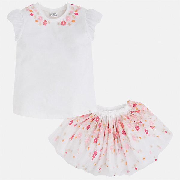 Комплект: топ и юбка для девочки MayoralКомплекты<br>Характеристики товара:<br><br>• цвет: белый<br>• состав: 57% хлопок, 38% полиэстер, 5% эластан<br>• комплектация: юбка, топ<br>• топ декорирован вышивкой<br>• юбка декорирована принтом<br>• пояс на резинке<br>• страна бренда: Испания<br><br>Стильный качественный комплект для девочки поможет разнообразить гардероб ребенка и красиво одеться в теплую погоду. Он отлично сочетается с другими предметами. Универсальный цвет позволяет подобрать к вещам обувь практически любой расцветки. Интересная отделка модели делает её нарядной и оригинальной. В составе материала - натуральный хлопок, гипоаллергенный, приятный на ощупь, дышащий.<br><br>Одежда, обувь и аксессуары от испанского бренда Mayoral полюбились детям и взрослым по всему миру. Модели этой марки - стильные и удобные. Для их производства используются только безопасные, качественные материалы и фурнитура. Порадуйте ребенка модными и красивыми вещами от Mayoral! <br><br>Комплект для девочки от испанского бренда Mayoral (Майорал) можно купить в нашем интернет-магазине.<br>Ширина мм: 207; Глубина мм: 10; Высота мм: 189; Вес г: 183; Цвет: оранжевый; Возраст от месяцев: 96; Возраст до месяцев: 108; Пол: Женский; Возраст: Детский; Размер: 134,104,98,128,122,116,110; SKU: 5291415;