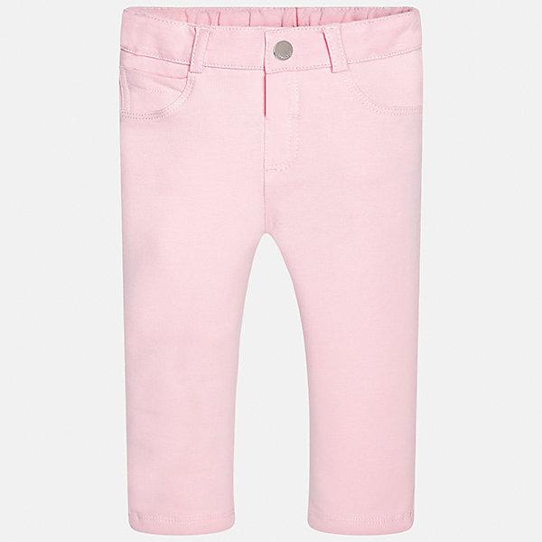 Брюки для девочки MayoralДжинсы и брючки<br>Характеристики товара:<br><br>• цвет: розовый<br>• состав: 95% хлопок, 5% эластан<br>• шлевки<br>• эластичный материал<br>• классический силуэт<br>• страна бренда: Испания<br><br>Модные брюки для девочки смогут разнообразить гардероб ребенка и украсить наряд. Они отлично сочетаются с майками, футболками, блузками. Красивый оттенок позволяет подобрать к вещи верх разных расцветок. В составе материала - натуральный хлопок, гипоаллергенный, приятный на ощупь, дышащий. Леггинсы отлично сидят и не стесняют движения.<br><br>Одежда, обувь и аксессуары от испанского бренда Mayoral полюбились детям и взрослым по всему миру. Модели этой марки - стильные и удобные. Для их производства используются только безопасные, качественные материалы и фурнитура. Порадуйте ребенка модными и красивыми вещами от Mayoral! <br><br>Брюки для девочки от испанского бренда Mayoral (Майорал) можно купить в нашем интернет-магазине.<br>Ширина мм: 123; Глубина мм: 10; Высота мм: 149; Вес г: 209; Цвет: лиловый; Возраст от месяцев: 6; Возраст до месяцев: 9; Пол: Женский; Возраст: Детский; Размер: 74,92,86,80; SKU: 5300035;