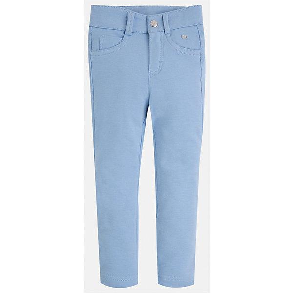 Брюки для девочки MayoralБрюки<br>Характеристики товара:<br><br>• цвет: голубой<br>• состав: 95% хлопок, 5% эластан<br>• шлевки<br>• эластичный материал<br>• карманы<br>• приятный оттенок<br>• страна бренда: Испания<br><br>Модные брюки для девочки смогут разнообразить гардероб ребенка и украсить наряд. Они отлично сочетаются с майками, футболками, блузками. Красивый оттенок позволяет подобрать к вещи верх разных расцветок. В составе материала - натуральный хлопок, гипоаллергенный, приятный на ощупь, дышащий. Леггинсы отлично сидят и не стесняют движения.<br><br>Одежда, обувь и аксессуары от испанского бренда Mayoral полюбились детям и взрослым по всему миру. Модели этой марки - стильные и удобные. Для их производства используются только безопасные, качественные материалы и фурнитура. Порадуйте ребенка модными и красивыми вещами от Mayoral! <br><br>Брюки для девочки от испанского бренда Mayoral (Майорал) можно купить в нашем интернет-магазине.<br>Ширина мм: 123; Глубина мм: 10; Высота мм: 149; Вес г: 209; Цвет: голубой; Возраст от месяцев: 18; Возраст до месяцев: 24; Пол: Женский; Возраст: Детский; Размер: 134,128,92,122,116,110,104,98; SKU: 5300058;