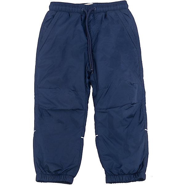 Брюки для мальчика SELAСпортивная одежда<br>Характеристики товара:<br><br>• цвет: тёмно-синий<br>• состав: верх: 100% полиэстер, подкладка: 100% полиэстер<br>• температурный режим: от +5° до +15°С<br>• подкладка флис<br>• спортивный стиль<br>• имитация ширинки<br>• светоотражающие детали<br>• два втачных кармана<br>• сзади два накладных кармана на кнопке<br>• пояс: мягкая резинка со шнурком<br>• коллекция весна-лето 2017<br>• страна бренда: Российская Федерация<br><br>Вещи из новой коллекции SELA продолжают радовать удобством! Спортивные брюки помогут разнообразить гардероб и обеспечить комфорт. Они отлично сочетаются с майками, футболками, куртками. В составе материала - натуральный хлопок.<br><br>Одежда, обувь и аксессуары от российского бренда SELA не зря пользуются большой популярностью у детей и взрослых! Модели этой марки - стильные и удобные, цена при этом неизменно остается доступной. Для их производства используются только безопасные, качественные материалы и фурнитура. Новая коллекция поддерживает хорошие традиции бренда! <br><br>Брюки для мальчика от популярного бренда SELA (СЕЛА) можно купить в нашем интернет-магазине.<br>Ширина мм: 215; Глубина мм: 88; Высота мм: 191; Вес г: 336; Цвет: синий; Возраст от месяцев: 18; Возраст до месяцев: 24; Пол: Мужской; Возраст: Детский; Размер: 92,116,110,104,98; SKU: 5302674;