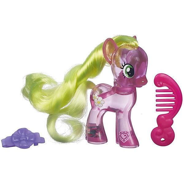 Фигурка с блестками My little Pony, Cutie Mark Magic - Флауэр ВишесИгрушки<br>Пони с блестками, My little Pony (Моя маленькая Пони), B0357/B5415.<br><br>Характеристика:<br><br>• Материал: пластик.   <br>• Размер упаковки: 17х13,8х4,4 см. <br>• Высота фигурки: 8 см. <br>• Длинная, мягкая, блестящая грива. <br>• В комплекте: фигурка пони, расческа, заколка. <br>• Фигурка наполнена специальной жидкостью с блесками.<br><br>Очаровательная маленькая лошадка Дейзи приведет в восторг всех поклонников My little Pony (Май литл Пони). Игрушка наполнена специальной жидкостью с блестками, которая переливается и мерцает, если пони перевернуть или потрясти. На голове у лошадки роскошная грива, которую можно расчёсывать специальной маленькой расческой и украшать оригинальной маленькой заколкой.<br>Игрушка изготовлена из экологичных нетоксичных материалов безопасных для детей.<br><br>Пони с блестками, My little Pony (Моя маленькая Пони), B0357/B5415, можно купить в нашем интернет-магазине.<br>Ширина мм: 44; Глубина мм: 138; Высота мм: 170; Вес г: 350; Возраст от месяцев: 36; Возраст до месяцев: 72; Пол: Женский; Возраст: Детский; SKU: 5352850;