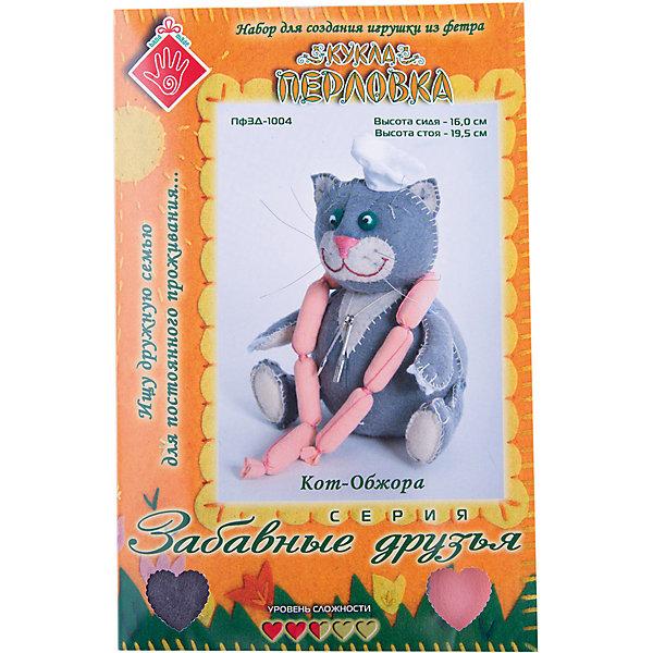 Набор для изготовления  игрушки Кот Обжора, ПерловкаНаборы для шитья<br>Набор для изготовления игрушки Кот Обжора, Перловка<br><br>Характеристики: <br><br>• Размер игрушки: сидя – 16 см, стоя – 19,5 см<br>• Материал: Хлопок, Фетр, Металл, Атлас<br>• Вес: 150г<br><br>Этот набор для творчества позволит вашему ребенку создать очаровательную игрушку. Ткани в комплекте выполнены в мягких пастельных тонах и состоят из натурального хлопка. В составе имеется подробная инструкция и все необходимое для декорирования фигурки. <br><br>Особенностями данного комплекта являются входящие в состав травы лаванды, шалфея и душицы – эти натуральные компоненты действуют умиротворяюще и успокаивают. <br><br>Набор для изготовления игрушки Кот Обжора, Перловка можно купить в нашем интернет-магазине.<br>Ширина мм: 150; Глубина мм: 10; Высота мм: 275; Вес г: 80; Возраст от месяцев: 60; Возраст до месяцев: 2147483647; Пол: Женский; Возраст: Детский; SKU: 5445433;