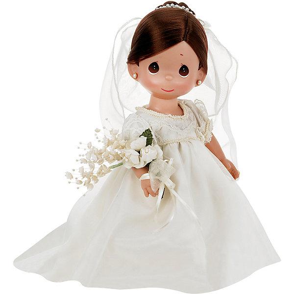 Кукла Зачарованные сны. Невеста, брюнетка, 30 см, Precious MomentsКуклы<br>Характеристики товара:<br><br>• возраст: от 5 лет;<br>• материал: винил, текстиль;<br>• высота куклы: 30 см;<br>• размер упаковки: 35х20х10 см;<br>• вес упаковки: 400 гр.;<br>• страна производитель: Филиппины.<br><br>Кукла «Зачарованные сны. Невеста» Precious Moments — коллекционная кукла с выразительными карими глазками и каштановыми волосами. Куколка одета в белоснежное свадебное платье. На голове у нее фата, а в руках букет невесты. У куклы имеются подвижные детали. Она выполнена из качественного безопасного материала.<br><br>Куклу «Зачарованные сны. Невеста» Precious Moments можно приобрести в нашем интернет-магазине.<br>Ширина мм: 140; Глубина мм: 300; Высота мм: 80; Вес г: 428; Возраст от месяцев: 36; Возраст до месяцев: 2147483647; Пол: Женский; Возраст: Детский; SKU: 5482502;