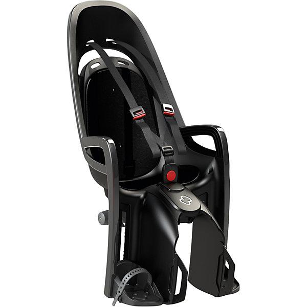 Детское велокресло Caress Zenith W/ Carrier Adapter, Hamax, серый/черныйВелосипеды и аксессуары<br>Характеристики товара:<br><br>• цвет: серый, черный<br>• запираемый кронштейн крепления.<br>• проработанная эргономика кресла для максимально комфортной посадки<br>• 3-точечные ремни безопасности с дополнительным кронштейном для фиксации в районе груди,и обеспечения ребенку безопасной и удобной посадки.<br>• специальная конструкция пряжек ремней безопасности/фиксации для предотвращения саморастегивания ребенка<br>• простое в использование, полностью соответствующее всем Европейским стандартам безопасности<br>• крепится только  на багажники Hamax (в комплект не входит)<br>• предназначено для детей в возрасте старше 9 месяцев и весом до 22 кг<br>• регулируемый ремень безопасности и подножки<br>• регулировка подножек одной рукой<br>• встроенные отражатели для улучшения видимости кресла<br>• мягкие плечевые пряжки ремней<br>• велокресло сертифицировано по: T?V / GS EN14344<br>• вес: 3550гр.<br>• размер: 37х80х34см<br><br>Мягкие пряжки для фиксации ребенка в кресле очень легкие и комфортные, но при этом обеспечивают надежную фиксацию ребенка в велокресле, позволяя при необходимости совершать резкие маневры и торможения. <br><br>Эргономика велокресла рассчитана так что спинка кресла не будет мешать голове ребенка в моменты когда он хочет откинуться назад кресла в шлеме.<br><br>Механизмы регулировки застежек позволяют комфортно отрегулировать их вместе с ростом ребенка.<br><br>Все детские велосидения Hamax растут вместе с ребенком!  Регулируемые ремень безопасности и подножки.<br><br>Детское сиденье для велосипеда очень легко крепится и освобождается от велосипеда. Приобретая дополнительный кронштейн, вы можете легко переставлять детское сиденье с одного велосипеда на другой.<br><br>Не забудьте: ребенок должен всегда носить шлем при использовании детского сиденья.<br><br>Детское велокресло Caress Zenith W/ Carrier Adapter, Hamax, серый/черный можно купить в нашем интернет-маг