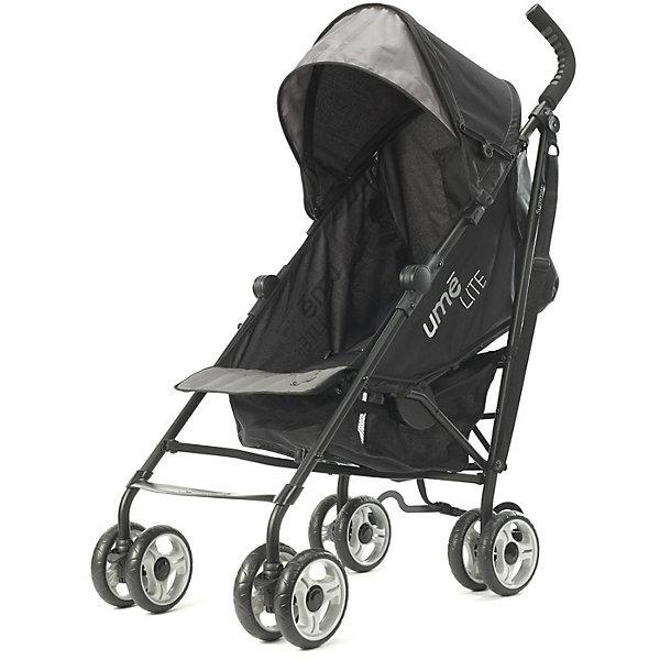 Коляска-трость Ume Lite, Summer Infant, черно-серыйКоляски-трости<br>Характеристики коляски:<br><br>• возраст: от 6 месяцев;<br>• материал: алюминий, пластик, полиэстер;<br>• регулировка наклона спинки в 3 положениях;<br>• регулируемые 5-ти точечные ремни безопасности;<br>• тип колес: все сдвоенные, передние поворотные с фиксацией;<br>• материал колес: резиновые;<br>• тип складывания: трость;<br>• вес коляски: 5,8 кг;<br>• размер упаковки: 104х32,5х24,5 см;<br>• вес упаковки: 7,8 кг;<br>• страна производитель: Китай.<br><br>Комплектация:<br><br>• коляска;<br>• корзина для покупок;<br>• инструкция.<br><br>Коляска-трость Ume Lite Summer Infant черно-серая — легкая и маневренная коляска для летних прогулок по городу, парку и поездок на природу. Спинка сидения наклоняется в 3 положениях, позволяя крохе отдохнуть и поспать на прогулке. Капюшон выполнен из ткани, не пропускающей влагу и защищающей от УФ-лучей. На задней стенке капюшона имеется вместительный карман для мелочей. Благодаря сдвоенным колесам и прочной раме коляска отличается хорошей устойчивостью и не опрокидывается. В сложенном виде удобно переносить коляску при помощи регулируемого ремешка.<br><br>Коляску-трость Ume Lite Summer Infant черно-серую можно приобрести в нашем интернет-магазине.<br>Ширина мм: 1040; Глубина мм: 325; Высота мм: 245; Вес г: 7800; Возраст от месяцев: 6; Возраст до месяцев: 36; Пол: Унисекс; Возраст: Детский; SKU: 5589112;
