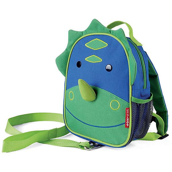 Рюкзак детский с поводком Динозавр, Skip HopДетские рюкзаки<br>Характеристики товара:<br><br>• возраст от 11 месяцев;<br>• материал: полиэстер;<br>• легко одевается на ребенка<br>• ремешок безопасности регулируется до необходимой длины<br>• позволяет малышу свободно исследовать мир, находясь под контролем родителей<br>• можно стирать в машинке<br>• бирочка для имени<br>• размер рюкзака 23х19х8,5 см;<br>• страна производитель: Китай.<br><br>Рюкзак детский с поводком «Пчела» Skip Hop выполнен в виде зеленого динозаврика с носом и глазками. Теперь все необходимые вещи всегда будут под рукой у малыша. Он может брать рюкзачок с собой на прогулку, в гости, в детский садик. Во внутреннем отделении поместятся любимые игрушки, карандаши, раскраски, блокноты. Сбоку сетчатый кармашек для бутылочки с напитками или контейнера для еды.<br><br>Мягкие лямки обеспечивают комфортное ношение. Предусмотрена небольшая ручка для переноски в руках или подвешивания. Специальный ремешок-поводок разработан для родителей, которые будут контролировать движения малыша, который еще только познает окружающий мир. Рюкзак изготовлен из плотных износостойких материалов.<br><br>Рюкзак детский с поводком «Пчела» Skip Hop можно приобрести в нашем интернет-магазине.<br>Ширина мм: 230; Глубина мм: 60; Высота мм: 370; Вес г: 300; Возраст от месяцев: 24; Возраст до месяцев: 72; Пол: Унисекс; Возраст: Детский; SKU: 5608236;