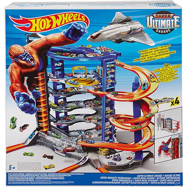 Автотрек Hot Wheels Невообразимая БашняАвтотреки<br>Характеристики:<br><br>• невероятный трек: вмещает более 140 машинок;<br>• автоматический подъемник: перевозит 23 машинки одновременно;<br>• зонирование;<br>• грузовой самолет: вмещает 2 машинки;<br>• игровой момент: присутствие гориллы, которая все сметает на своем пути;<br>• в комплекте: детали для сборки трека, 4 машинки Хот Виллс, 1 реактивный самолет, фигурка гориллы, аксессуары;<br>• тип батареек: 3 шт. типа АА;<br>• батарейки приобретаются отдельно;<br>• материал: пластик;<br>• размер упаковки: 86х76х20 см;<br>• вес: 12 кг.<br><br>Невероятных размеров трек «Невообразимая башня» представляет собой огромную площадку для размещения автомобилей Hot Wheels. Трек оснащен автоматическим подъемником и грузовым лифтом, имеется полицейский участок и автомойка, также на объекте находится магазин автотоваров. На крыше расположена взлетно-посадочная площадка для реактивного самолета. В игре появляется горилла – атакует трек и стремится смести с лица земли гоночные модели. <br><br>Набор Hot Wheels «Невообразимая Башня» можно купить в нашем интернет-магазине.<br>Ширина мм: 860; Глубина мм: 760; Высота мм: 210; Вес г: 11410; Возраст от месяцев: 60; Возраст до месяцев: 108; Пол: Мужской; Возраст: Детский; SKU: 6682479;