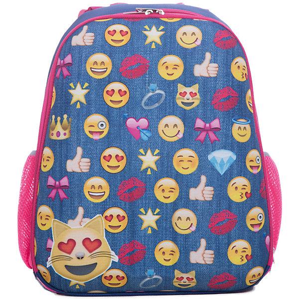 Рюкзак школьный каркасный СмайлыШкольные рюкзаки<br>Характеристики:<br><br>• размер: 37х31,5х17 см.;<br>• состав: нейлон, полиэстер;<br>• вес: 900 г.;<br>• особенности: светоотражающие знаки<br>• для детей в возрасте: от 6 лет;<br>• страна производитель: Китай.<br><br>Этот вместительный рюкзак, выполненный в стиле популярных смайликов от бренда CENTRIUM (Центриум), придёт по вкусу стильным школьникам. Рюкзак оснащён одним обширным отделением на пластиковой застёжке, в которое помещаются книги и тетради формата А4. Спереди расположен передний карман для канцелярских принадлежностей на молнии. По бокам находятся два кармана на молниях для мелочей. <br><br>Уплотнённая твёрдая спинка обработана сетчатым материалом для обеспечения циркуляции воздуха, что предотвращает потоотделение. Мягкие широкие и регулируемые лямки также обработаны сетчатым материалом и способствуют правильному распределению нагрузки на спину. С помощью качественно прошитой ручки рюкзак можно носить в руке или вешать на крючок. Твёрдое дно не пропускает воду.<br><br>Рюкзак выполнен в соответствии с требованиями безопасности детей в тёмное время суток и оснащён деталями со светоотражающими частицами спереди и по бокам. Благодаря обработке водоотталкивающей пропиткой рюкзак не боится дождя и отлично будет сохранять его содержимое от намокания.<br> <br>Рюкзак Смайлы можно купить в нашем интернет-магазине.<br>Ширина мм: 170; Глубина мм: 315; Высота мм: 370; Вес г: 900; Возраст от месяцев: 72; Возраст до месяцев: 2147483647; Пол: Унисекс; Возраст: Детский; SKU: 6842127;