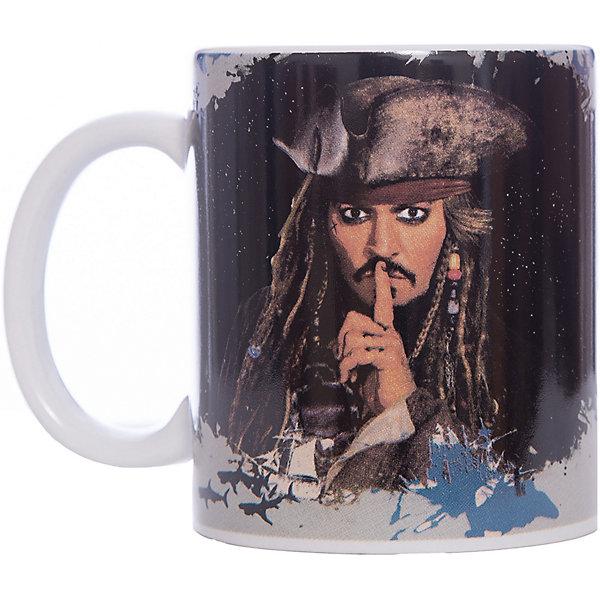 Кружка Пираты Карибского Моря. Капитан Джек Воробей, 350 мл., DisneyДетская посуда<br>Характеристики:<br><br>• Материал: керамика<br>• Тематика рисунка: Пираты Карибского моря<br>• Можно использовать для горячих и холодных напитков<br>• Объем: 350 мл<br>• Вес: 323 г<br>• Размеры (Д*Ш*В): 12*8,2*9,5 см<br>• Особенности ухода: можно мыть в посудомоечной машине<br><br>Кружка Пираты Карибского моря. Капитан Джек Воробей, 350 мл., Disney выполнена в стильном дизайне: на черном корпусе нанесено изображение капитана Джека Воробья, ручка у кружки белая. Изображение устойчиво к появлению царапин, не выцветает при частом мытье. <br><br>Кружку Пираты Карибского моря. Капитан Джек Воробей, 350 мл., Disney можно купить в нашем интернет-магазине.<br>Ширина мм: 120; Глубина мм: 82; Высота мм: 95; Вес г: 323; Возраст от месяцев: 36; Возраст до месяцев: 1188; Пол: Унисекс; Возраст: Детский; SKU: 6849937;