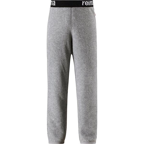 Флисовые брюки Reima Argelius для мальчикаОдежда<br>Характеристики товара:<br><br>• цвет: серый;<br>• состав: 100% полиэстер;<br>• сезон: зима;<br>• быстро сохнут и сохраняют тепло;<br>• выводит влагу в верхние слои одежды;<br>• регулируемый пояс со шнурком;<br>• эластичная резинка на штанинах;<br>• страна бренда: Финляндия;<br>• страна изготовитель: Китай.<br><br>Детские флисовые брюки отлично подойдут для поддевания под верхнюю одежду. Легкий и теплый полярный флис эффективно отводит влагу с кожи и быстро сохнет. Детские флисовые брюки снабжены регулируемой эластичной резинкой на талии, благодаря чему, их удобно носить с несколькими слоями одежды. Имеются эластичные резинки на концах брючин.<br><br>Флисовые брюки Reima Argelius от финского бренда Reima (Рейма) можно купить в нашем интернет-магазине.<br>Ширина мм: 215; Глубина мм: 88; Высота мм: 191; Вес г: 336; Цвет: серый; Возраст от месяцев: 96; Возраст до месяцев: 108; Пол: Мужской; Возраст: Детский; Размер: 134,92,140,128,122,116,110,104,98; SKU: 6901923;